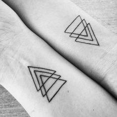 #tattoo #triangle #life #tattoolove #love #tattoogirls Tattoo Triangle, Jewelry Tattoo, Girl Tattoos, Outline, Squares, Piercings, Om, Boobs, Symbols