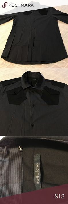"""Men's Sottotono Black & Grey Pinstripe Button Down Men's Sottotono Black & Grey Pinstripe Long Sleeve Button Down. Made & purchased in Italy. Great quality. Gently-worn. Flaws: light fading around & on collar but minimal. Measurements (approx.): armpit to armpit 21.5"""", top of shoulder to bottom hem 28"""" Sottotono Shirts Casual Button Down Shirts"""