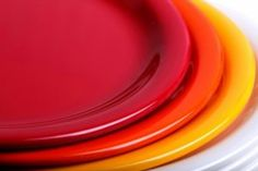 A study recently found that subjects who used hard plastic tableware had elevated levels of toxic chemicals such as melamine in their urine. Natural Solutions, Natural Health, Dinnerware, Sweet Home, Pottery, Dishes, Healthy, Tableware, Plastic