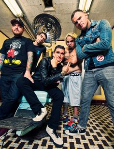Say what? New Found Glory is going out on tour with Cartel! Game on. #pop #punk #rock #music