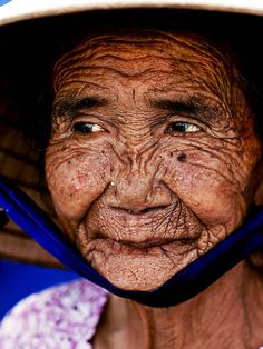 A Photoshop artist reversed the image of this woman to make her young and beautiful. The result left me sprechless!