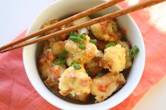 """Bang Bang Cauliflower: A veggie version of everyone's favorite Bang Bang shrimp. Not sure if this qualifies as """"healthy"""", but I don't usually eat cauliflower, so I'm calling it! Side Recipes, Vegetable Recipes, Great Recipes, Vegetarian Recipes, Favorite Recipes, Healthy Recipes, Healthy Snacks, Bang Bang Cauliflower, Spicy Cauliflower"""