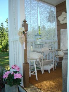 Awesome Shabby Chic Porch Decorating Ideas Because it doesn't enable your porch enough, you should decorate it beautifully. It isn't challenging to Awesome Shabby Chic Porch Decorating Ideas Shabby Chic Terrasse, Porche Shabby Chic, Shabby Chic Veranda, Shabby Chic Patio, Shabby Chic Mode, Shabby Chic Living Room, Shabby Chic Kitchen, Shabby Chic Cottage, Shabby Chic Style