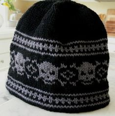 Pirate, Punk, and Other Skull Motif Knitting Patterns - Patterns - Pirate, Punk, and Other Skull Motif Knitting Patterns Free knitting pattern for Skull Hat Beanie in fair isle Fair Isle Knitting Patterns, Knitting Charts, Loom Knitting, Knit Patterns, Free Knitting, Halloween Knitting Patterns, Crochet Skull, Knit Crochet, Crochet Hats