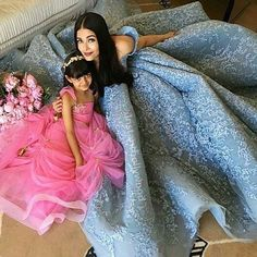 Queen Aishwarya Rai Bachchan with her pricess Aradhaya at the Cannes 2017. @InstantBollywood ❤❤❤