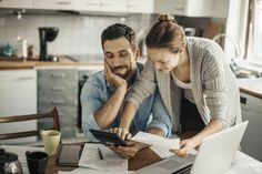What is the Difference Between a Home Equity Loan and a Home Equity Line of Credit? - Home Equity Loans Homeowners Insurance Coverage, Pay Yourself First, Moving Costs, Home Equity Loan, Hobbies For Couples, Home Insurance, Personal Finance, Home Buying, Saving Money