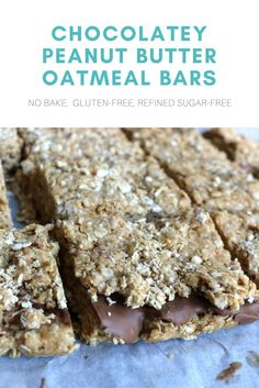 You have a stressful week ahead? Then these bars are the perfect midday pick-me-up, believe me. They are an absolute must-have in your lunch box (hell yeah, they are perfect for meal prepping!). I made them the other day and they were instantly gone. I just had one tiny bite, my husband ate the rest (he loves the combination of peanut butter and chocolate). #peanutbutter #oats #oatmeal #chocolate #nobake #glutenfree #refinedsugarfree #nosugar #healthy #bars #weight..