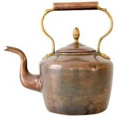 Large Antique English Copper & Brass Teapot Kettle (51.950 HUF) ❤ liked on Polyvore featuring home, kitchen & dining, kitchen accessories, antique kitchen accessories, brass kitchen accessories and copper kitchen accessories
