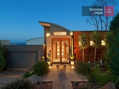 Photo of a house exterior design from a real Australian house - House Facade photo 859298 Australian Homes, Facade House, Exterior Design, New Homes, Real Estate, House Design, Explore, Eye, Mansions