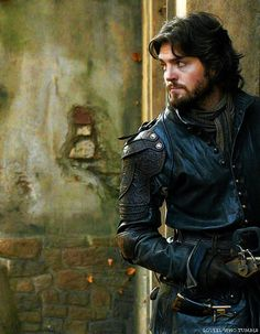 Tom Burke, Athos and Chocolate Mousse : Photo