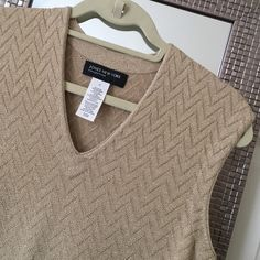 Jones New York Women's Top Jones New York gold shimmering woven tank top. Not a thin tank. Size small. Great condition only worn a few times. 23 inches long. Machine wash cold. Jones New York Tops Tank Tops
