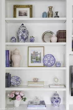 Styling a Built In Bookcase: Decorating Ideas Decorating Bookshelves, Bookshelf Styling, Bookshelf Design, Built In Bookcase, Bookcases, Blue Living Room Decor, Living Room Shelves, Home Living Room, Chinoiserie