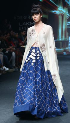 If you, like me, can't stand dupattas, you need this long airy tunic in your life. 16 Lehengas At Lakmé Fashion Week That'll Inspire You To Up Your Lehengame Lakme Fashion Week, India Fashion, Asian Fashion, Women's Fashion, Indian Attire, Indian Wear, Indian Designer Outfits, Designer Dresses, Indian Dresses