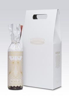 Goods & Services Holiday Gift on Packaging of the World - Creative Package Design Gallery Beverage Packaging, Bottle Packaging, Food Packaging, Brand Packaging, Wine Hampers, Goods And Services, Bottle Design, Packaging Design Inspiration, Holiday Gifts