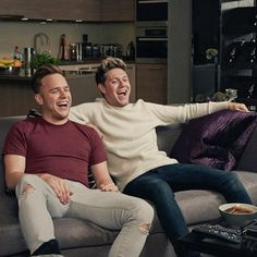 Niall Horan Will Netflix And Chill With Olly Murs For Charity  - http://oceanup.com/2016/10/17/niall-horan-will-netflix-and-chill-with-olly-murs-for-charity/