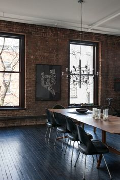 New York Dreaming: Dean Di Simone's Soho Loft – Design & Trend Report Estilo Interior, Home Interior, Interior Architecture, Interior Decorating, Interior Design, Classical Architecture, Luxury Interior, Modern Interior, Design Art