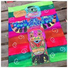 Vetkrijt en ecoline totempaal #zokinderopvang School Art Projects, Art School, Art For Kids, Crafts For Kids, Kid Art, Native American Art, American Indians, Key Stage 3, Arts Ed