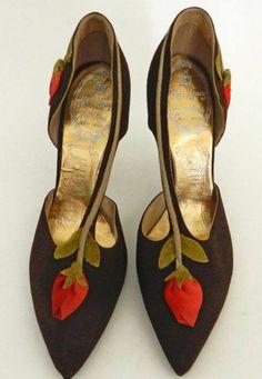 Scarpe da sera con fiore rosso