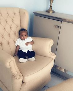 When your chair is bigger than you! Thanks for sharing this sweet picture with us x Sweet Picture, Thanks For Sharing, Cute Baby Pictures, Cute Babies, Armchair, Thankful, Big, Instagram, Sofa Chair