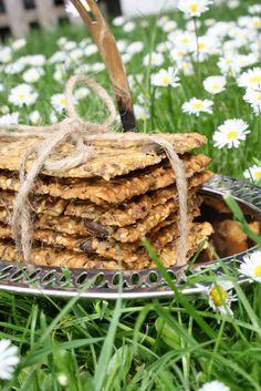 Glutenfrie knækbrød (recipe in Danish) Gluten Free Crackers, Home Bakery, Gluten Free Diet, Celiac, Lchf, Grocery Store, A Food, Meal Planning, Dessert