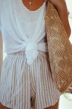 Best 27 Boho Chic Outfit Ideas For Spring Outfits, Best 27 Boho Chic Outfit Ideas For 2017 - Highpe. Mode Outfits, Chic Outfits, Short Outfits, Feminine Mode, Business Outfit, Inspiration Mode, Spring Summer Fashion, Summer Winter, Summer Beach Outfits