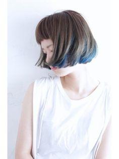今流行りの髪色「インナーカラー」。都会的でスタイリッシュな印象のインナーカラーは、チラ見せもかわいく、おしゃれに差をつけることもできます。あなたも早速取り入れてみましょう!!(2ページ目)