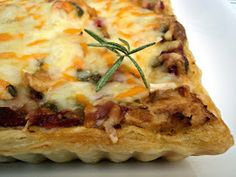 Pizza hojaldrada de verduras y pollo Olor a hierbabuena