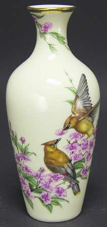 "Lenox China Cedar Waxwings ""Gift of Love"" Vase"