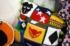 Hupsistarallaa: Karkkineuleet Marimekko, Some Ideas, Diy Crochet, Christmas Stockings, Blankets, Stuff To Do, Knitting, Holiday Decor, Accessories