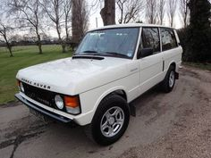 Fantastic 1971 2 Door Range Rover completely Restored For Sale, Here for sale is a 1971 Range rover Classic that has been stealthily upgraded and restored to be bet Motorcycle Campers, Landrover Range Rover, Range Rover Classic, Land Rover Defender, Go Shopping, Offroad, 4x4, Antique Cars, Restoration