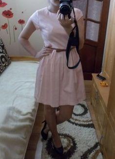 Kup mój przedmiot na #vintedpl http://www.vinted.pl/damska-odziez/krotkie-sukienki/15874741-sukienka-pudrowy-roz-lekko-rozkloszowana-sm