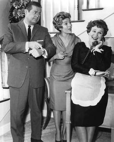 A stunning approx) photo poster of Shirley Booth as Hazel Burke, Don DeFore as George Baxter and Whitney Blake as Dorothy Baxter in Hazel. 70s Tv Shows, Great Tv Shows, Movies And Tv Shows, Hazel Tv Show, Shirley Booth, Whitney Blake, Classic Tv, Classic Films, Classic Comedies