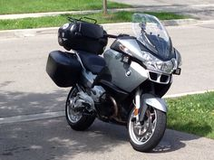 RT RT RT BMW model motorcycles to create the best collection of BMW motorbike excitement that will give the enthusiasts the power they cannot give up. Bmw R1200rt, Bmw Motorbikes, Scooters, Touring Motorcycles, Bmw Boxer, Bmw Models, Vehicles, Create, Car