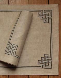 Celtic Cross Stitch, Cross Stitch Borders, Cross Stitch Art, Cross Stitch Designs, Cross Stitching, Cross Stitch Patterns, Hand Embroidery Projects, Crewel Embroidery, Cross Stitch Embroidery