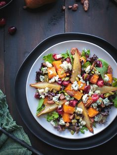 Roasted Autumn Harvest Salad is so delicious with sweet roasted pears, butternut squash and even roasted fresh cranberries! Top with some buttery pecans and salty blue cheese and you've got salad perfection! Autumn Harvest, Autumn Fall, Vegetarian Recipes, Healthy Recipes, Salad Recipes, Roasted Pear, Harvest Salad, Hummus Recipe, Thanksgiving Recipes