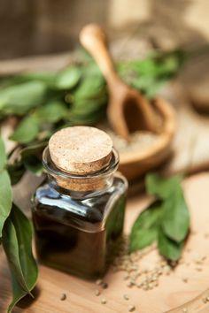 Choisir ses huiles et ses plantes en macération huileuse - macérât huileux maison.
