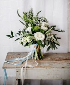 Minimalist weddings are a seriously hot trend for 2016 and it really takes into account the well-known saying less is more. From chic wedding stationery to simple statement wedding cakes newlyweds are swooning over the latest modern wedding style. To kick start your wedding planning indulge yourself in a few of our favourite ideas