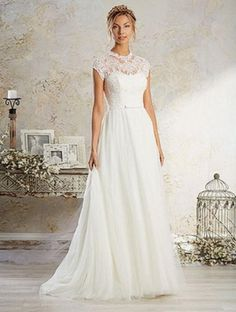 Victorian-inspired wedding dress adorned with cap sleeves. The bodice has intricately hand-placed embroidered lace, subtle beading and a dramatic keyhole back. Missing belt.   Tradesy is the leading used luxury fashion resale marketplace   100% AUTHENTIC, OR YOUR MONEY BACK   We have a zero-tolerance policy for replicas. Our authentication rate is best in the industry (Stronger than eBay, ThreadUp, The RealReal, Poshmark, Vestiaire, and Worthy), our smart technology automatically detects and…