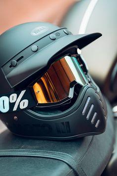 Retro Motorcycle Helmets, Retro Helmet, Biker Helmets, Motorcycle Equipment, Vintage Helmet, Motorcycle Tank, Racing Helmets, Motorcycle Outfit, Women Motorcycle