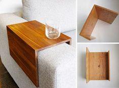 Mesa auxiliar que se adapta al brazo de tu sofá, ideas irresistibles