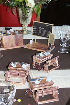 Table école du 19 e siècle avec maquette des pupitres