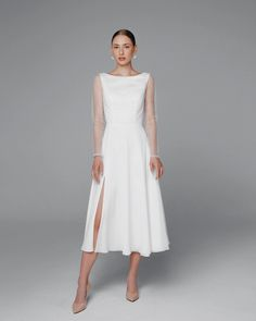 Little White dresses for brides in lace, sparkle, and sleek silhouettes. As couples turn to more intimate gatherings or even to elopements, short wedding dresses are gaining popularity. We've put together a shoppable guide of the best short wedding dresses you can buy online! #gws #greenweddingshoes #littlewhitedresses #shortweddingdresses Short Chiffon Wedding Dress, Long Sleeve Chiffon Dress, Open Back Wedding Dress, Tea Length Wedding Dress, Colored Wedding Dresses, Wedding Dress Styles, Long Sleeve Wedding, Tulle Wedding, Chiffon Dresses