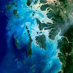 The Mergui Archipelago in the Andaman Sea consists of more than 800 islands. This natural-color image of the center portion of the archipelago was captured by Landsat 5 on Dec. 14, 2004.