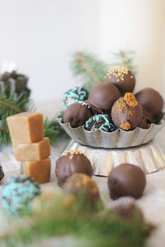 KakkuKatri: Fudge Christmas Inspiration, Fudge, Sweet Treats, Place Card Holders, Koti, Sweets, Cheer Snacks