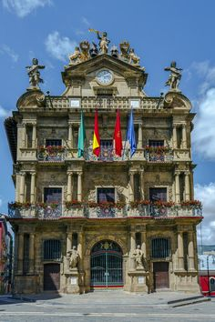"""""""Running of the Bulls"""" or the San Fermín Festival is the trademark of Pamplona, Spain. 3 day itinerary to find out what else to do in Pamplona Pamplona Spain, Backpacking Spain, Running Of The Bulls, Spain Culture, Spain Fashion, Spain Holidays, Spain Travel, Where To Go, Day Trips"""