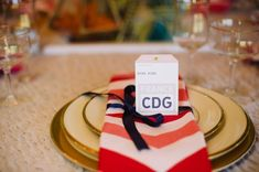 Travel themed party place setting