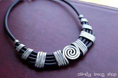 collana fatta a mano spirale alluminio tribale nero