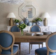 49 Best Ideas For Feminine Dining Room Design Dining Room Paint Colors, Dining Room Design, Dining Room Bench Seating, Dining Room Chairs, Dining Room Table Centerpieces, Blue Rooms, White Decor, Living Room Decor, Sweet Home