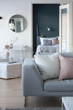 Valkoinen Harmaja Decorating Blogs, Dream Bedroom, Living Room, Furniture, Home Decor, Dreams, Interiors, Decoration Home, Room Decor