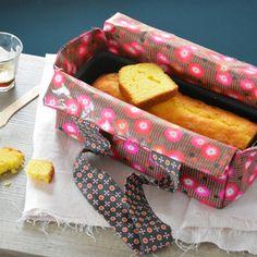 Rouge cerise et rose framboise, c'est le duo gagnant pour ce sac à cake aussi joli que pratique ! On en a l'eau à la bouche...
